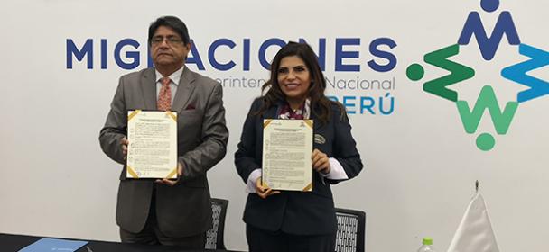 MIGRACIONES y CANATUR suscriben convenio para fortalecer turismo en el país